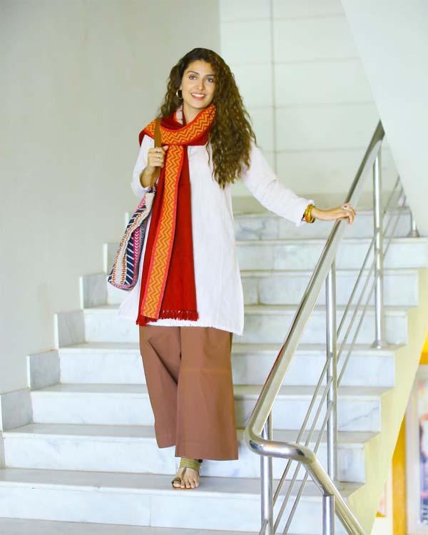 Ayeza Khan white kurti with palazzo